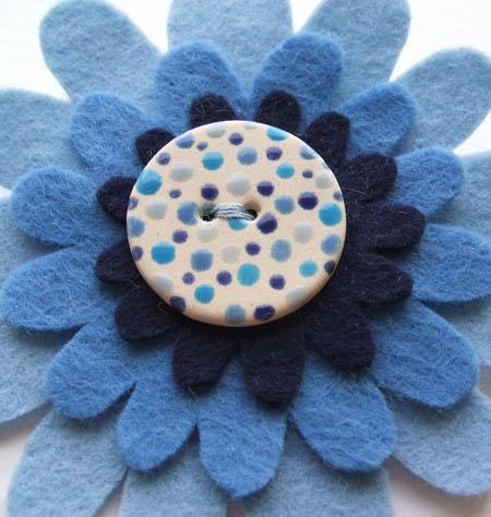 blue_button_corsage_blog.jpg